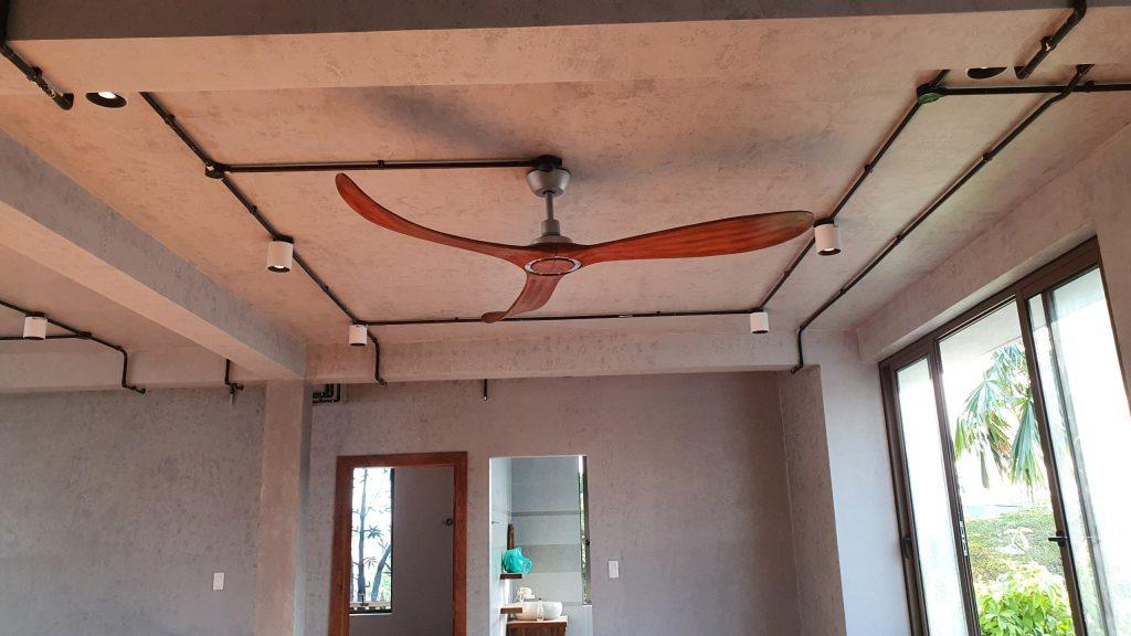 Quạt trần cánh gỗ đẹp sải cánh dài